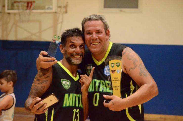 Esperanzas 4318 - Villa Mitre +43 - Chelo Quevedo y Juampi Roudill