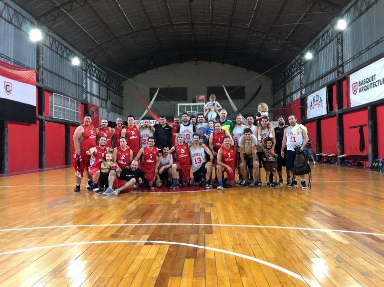 Banco Provincia +35 vs Arquitectura +35 - Foto del partido de vuelta de la Gran Final